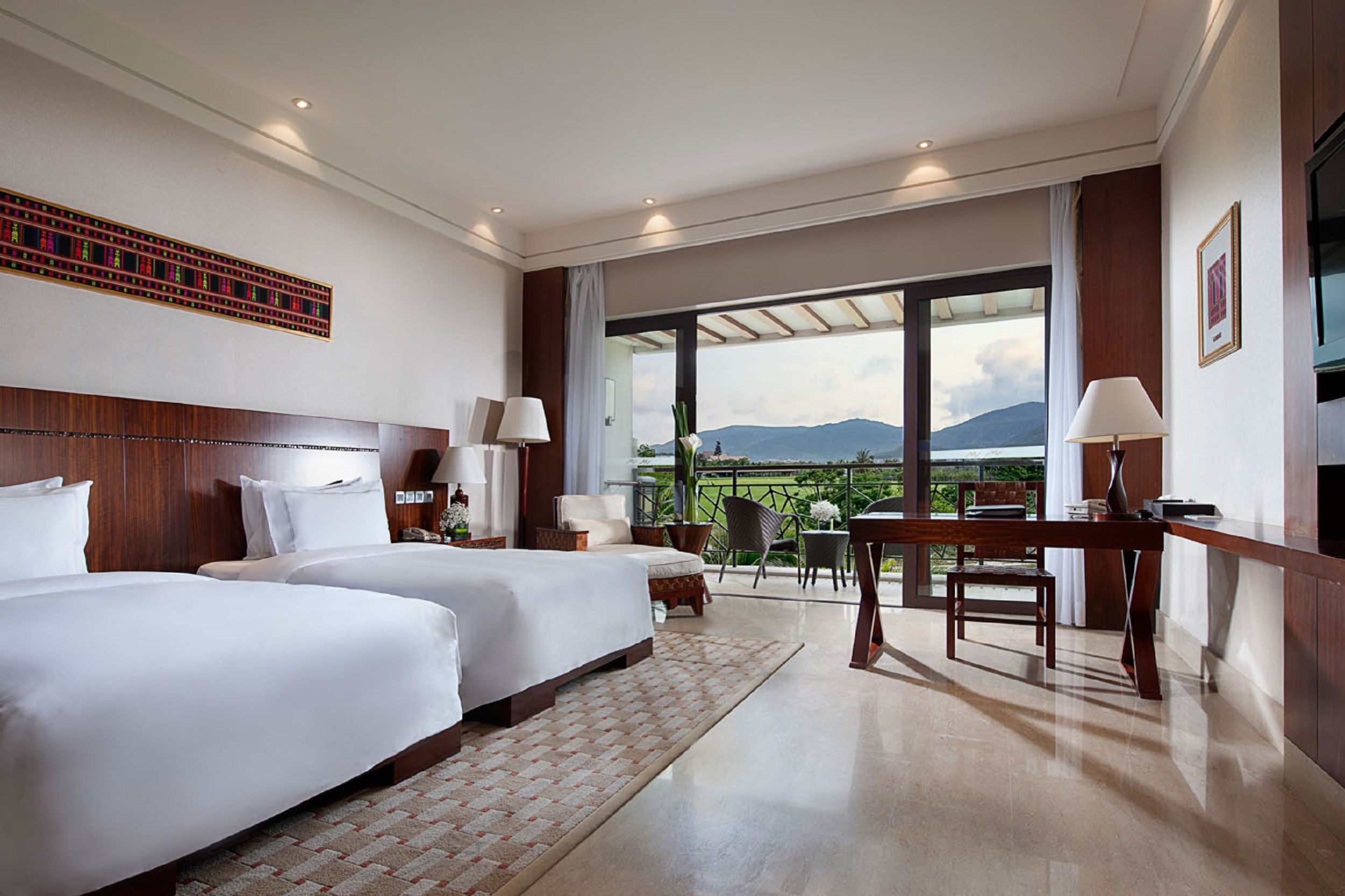 Grand soluxesanya hotel resort sanya sanya for Abyss salon stuart